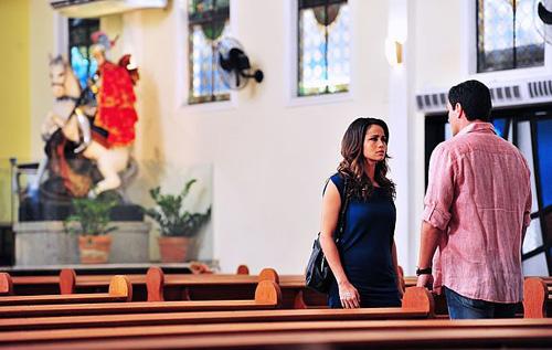 Théo e Morena, encontro na Igreja São Jorge