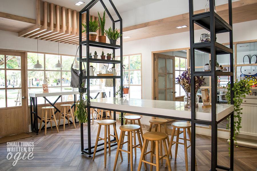 Miffy's Garden Cafe Santorini Park