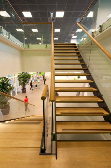 Verbouwing kantoor met baliefunctie Amsterdam - Gietermans & Van Dijk architecten - DVDH Interieurarchitecten