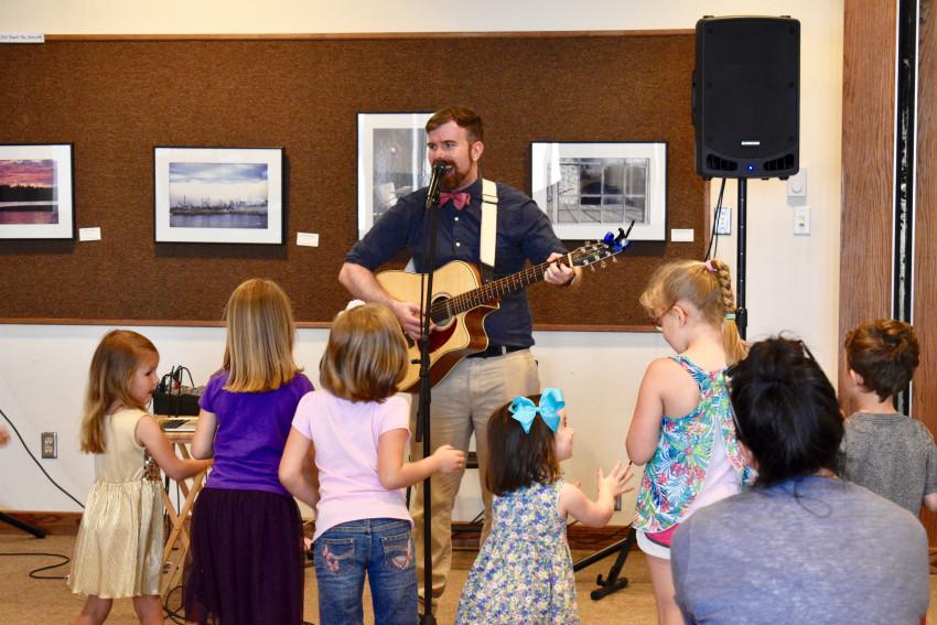 Book children's musicians on GigSalad