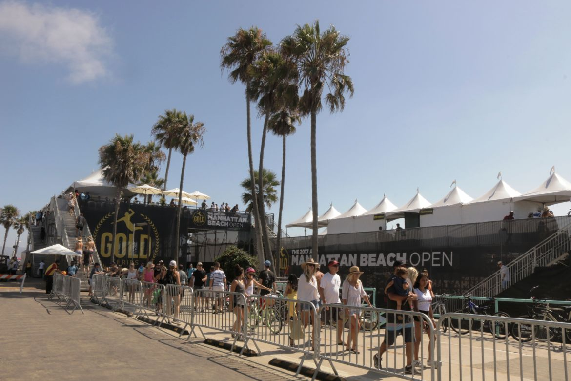 Palm trees, sunshine and beautiful people at the Manhattan Beach Open