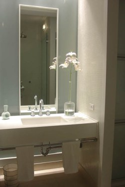 כיור טמבטיה בדירה בטרייבקה גיל דביר עיצוב פנים