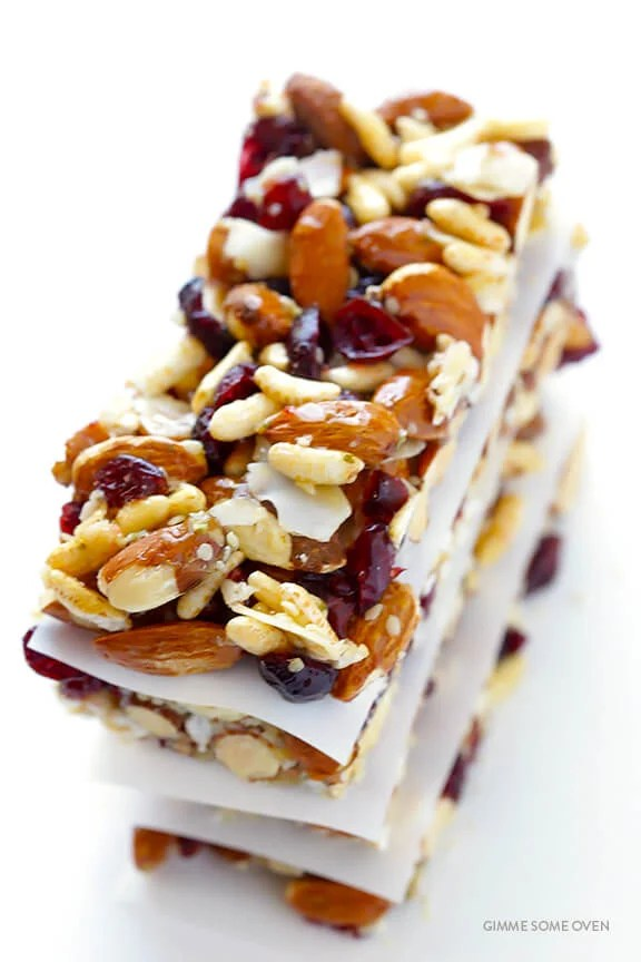 Cranberry Almond Protein Bars -- way cheaper than fruit and nuts bars at the store, and naturally gluten-free! | gimmesomeoven.com