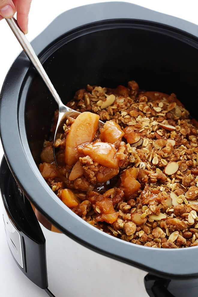 this slow cooker apple crisp recipe is easy to make in the crock pot
