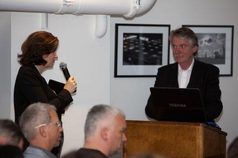 Stefanie Then introducing Professor Klaus Klemp to the audience | © 2011 Philipp Weitz Photography