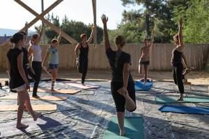 Gina Pitti Equi-Attah yoga à cheval équilibre postural