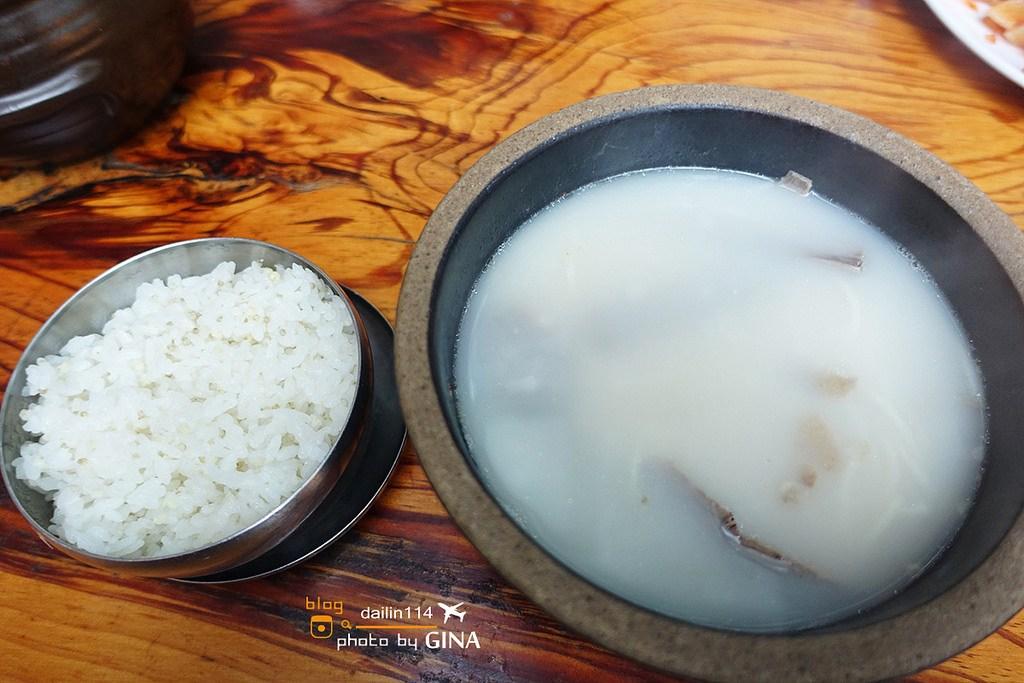 首爾食記》東大門道地的韓國神仙雪濃湯( 느티나무 동대문 화로구이 설렁탕 / Seolleongtang ) 一個人也可以吃+韓國前總統李明博也去過的雪濃湯店