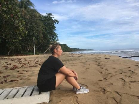 Strand Karibikküste Abenteuer Glamping im Dschungel Costa Ricas Almonds & Corals www.gindeslebens.com