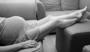 Piernas hinchadas en el embarazo   Piernas hinchadas en el embarazo piernas hinchadas 1 300x173