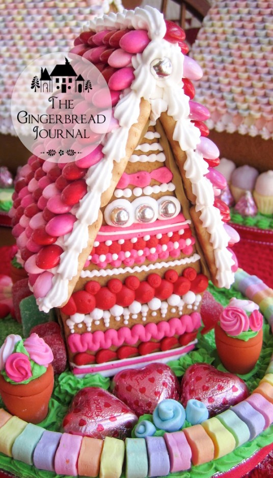 valentines gingerbread house fpe-8wm