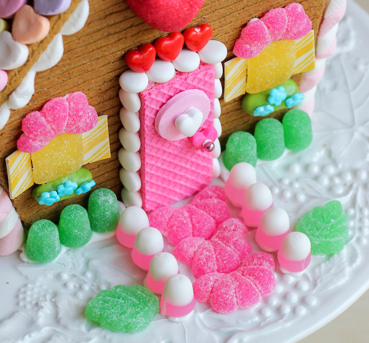 valentines gingerbread house fpe45
