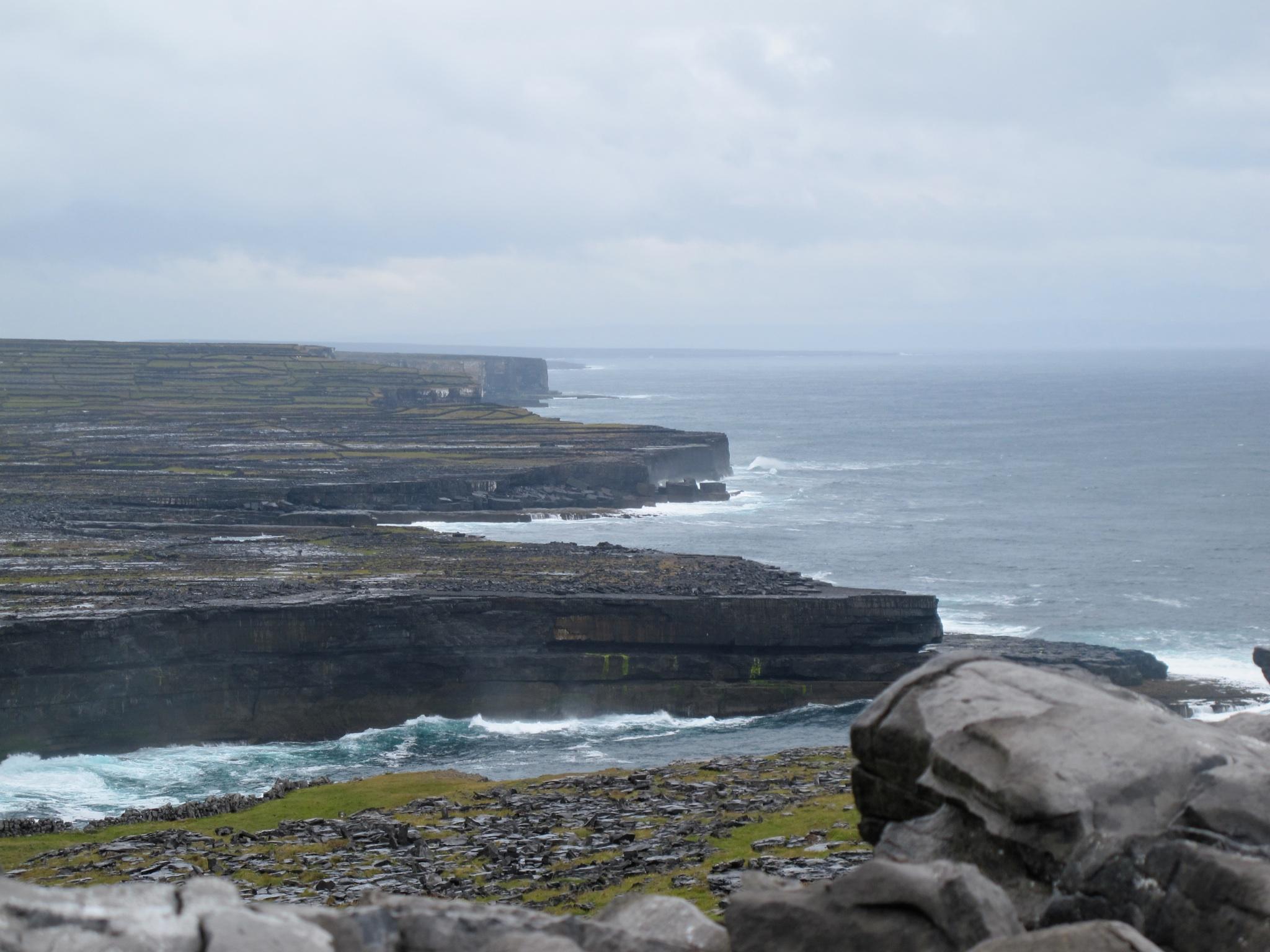 Coast Inis Mor Cliffs