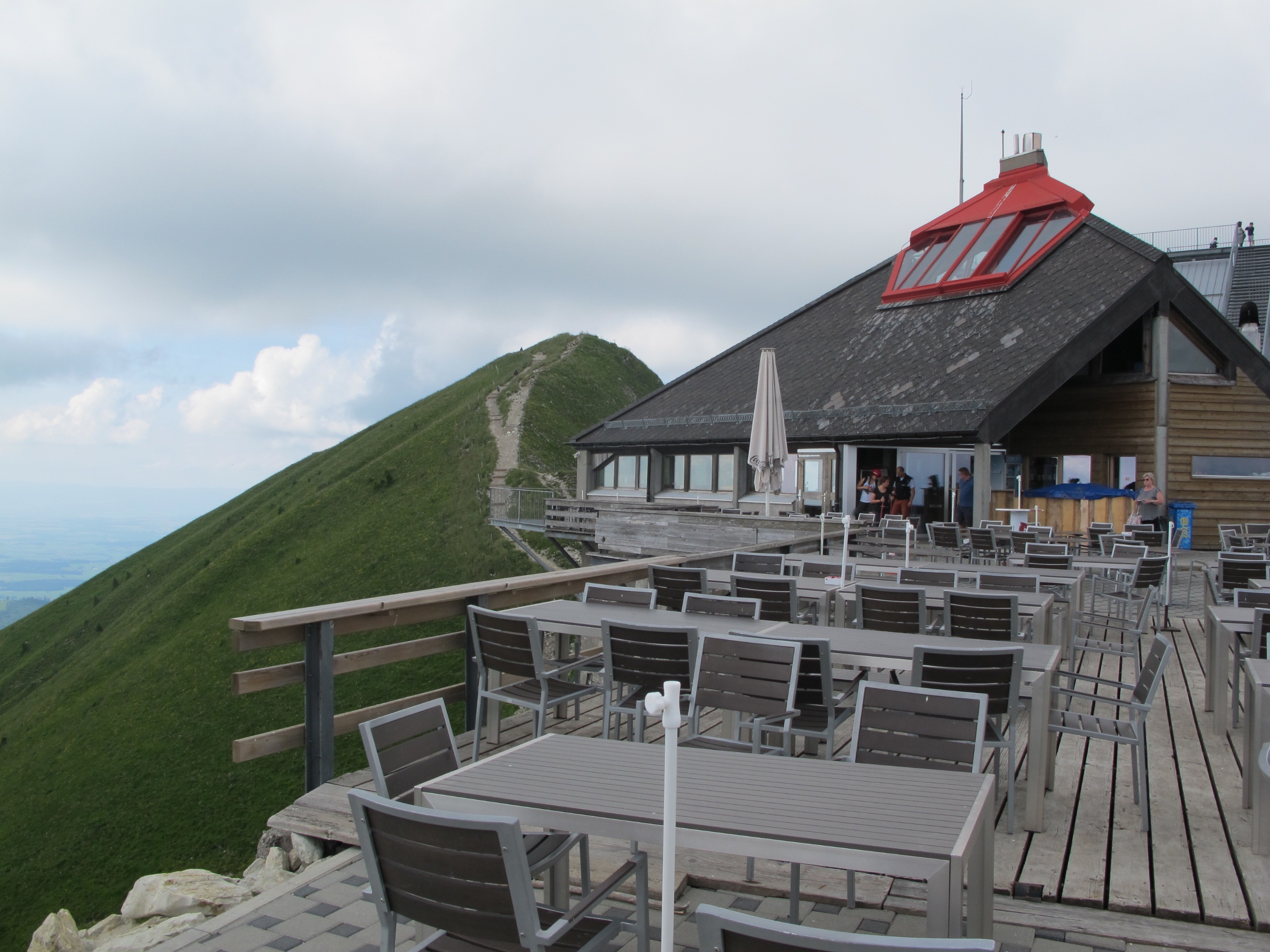 restaurant-top-mt-moleson