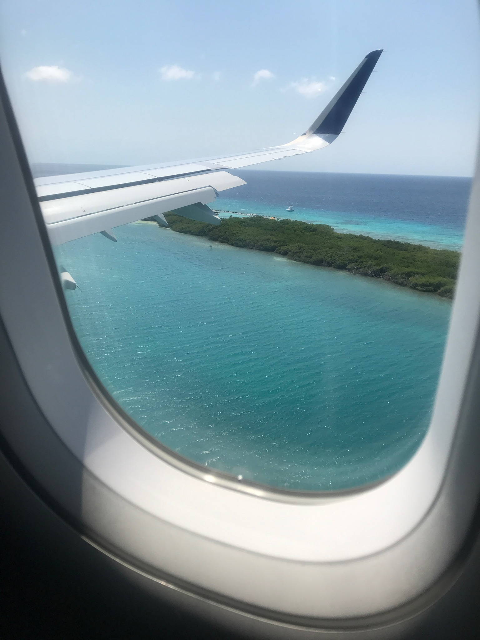 aruba landing island jet blue