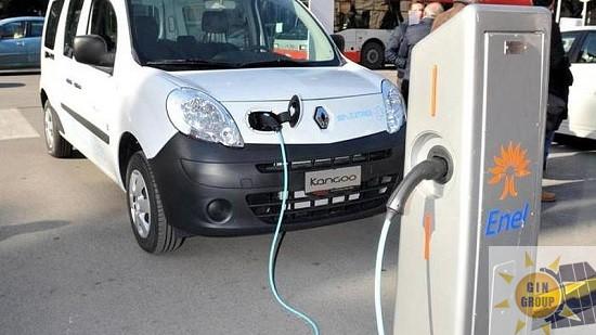 Punti di ricarica per i veicoli elettrici: dal 18 novembre operative le specifiche tecniche