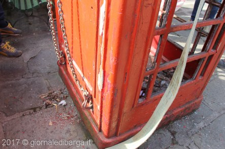 red-telephone-box-barga-13.jpg
