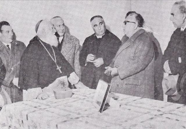 Mons. Re con il sindaco Vitale