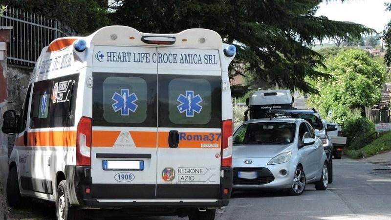 Genzano, incidente tra Via Appia Vecchia e Via Appia Nuova: 3 feriti. Traffico in tilt