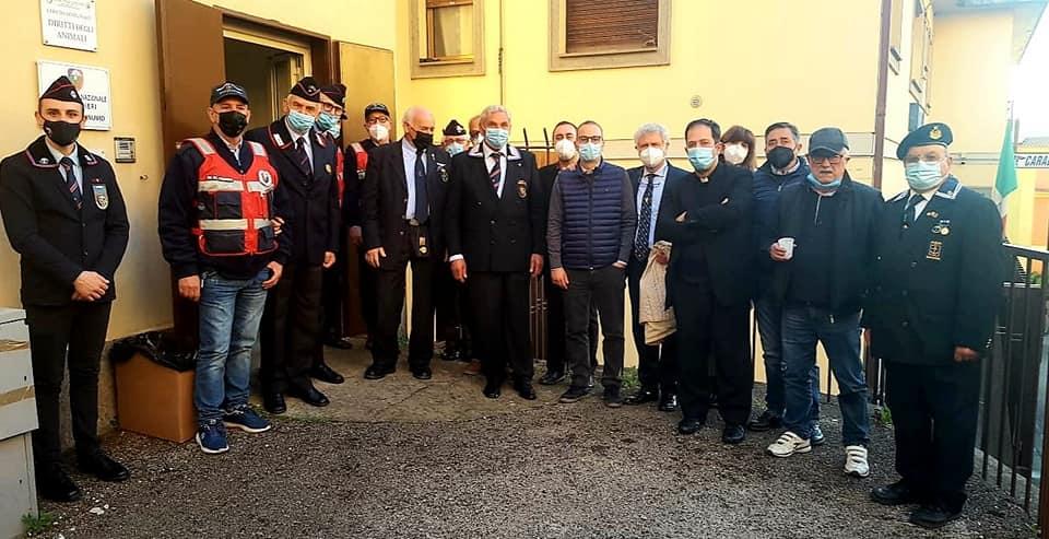 Lanuvio, da Associazione Nazionale Carabinieri beni alimentari alla Caritas per festa del SS. Filippo e Giacomo