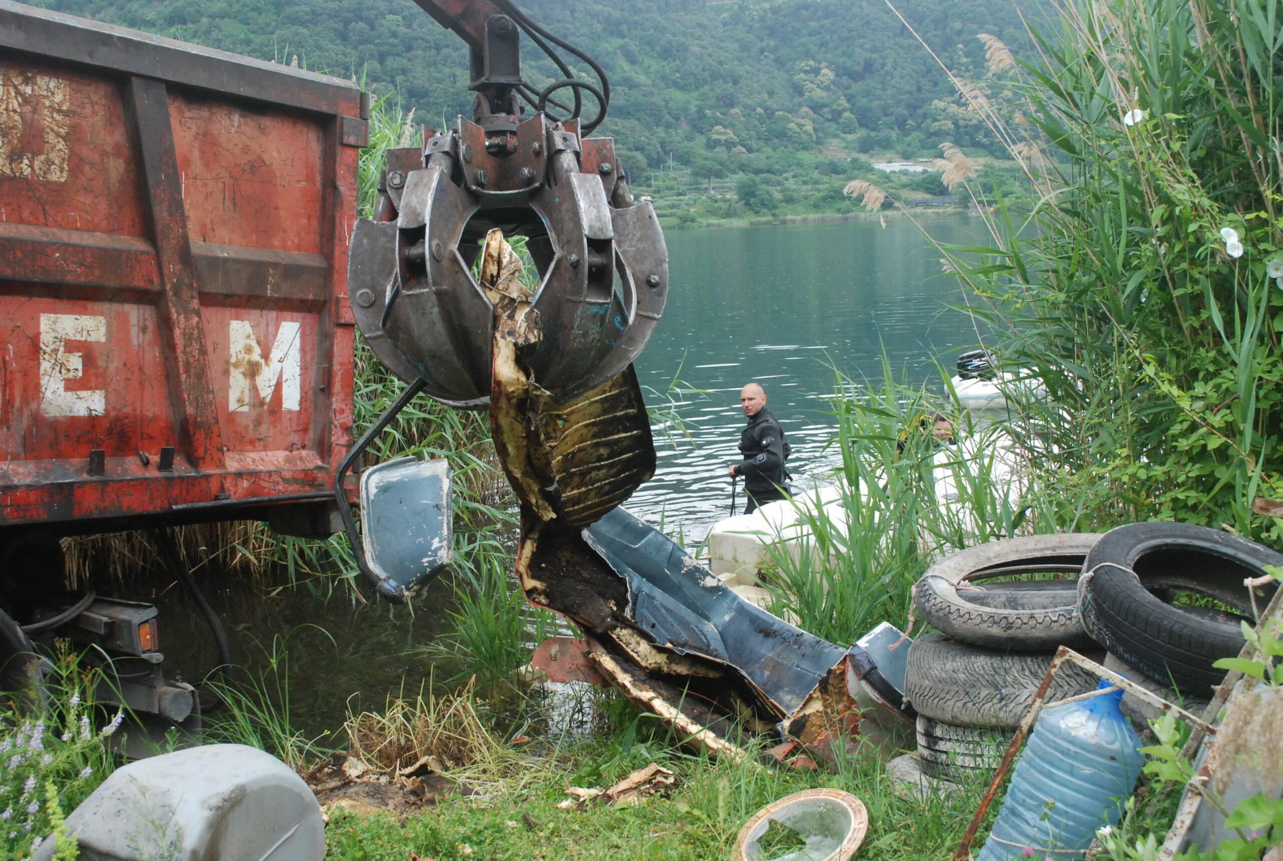 nemi recupero rifiuti lago