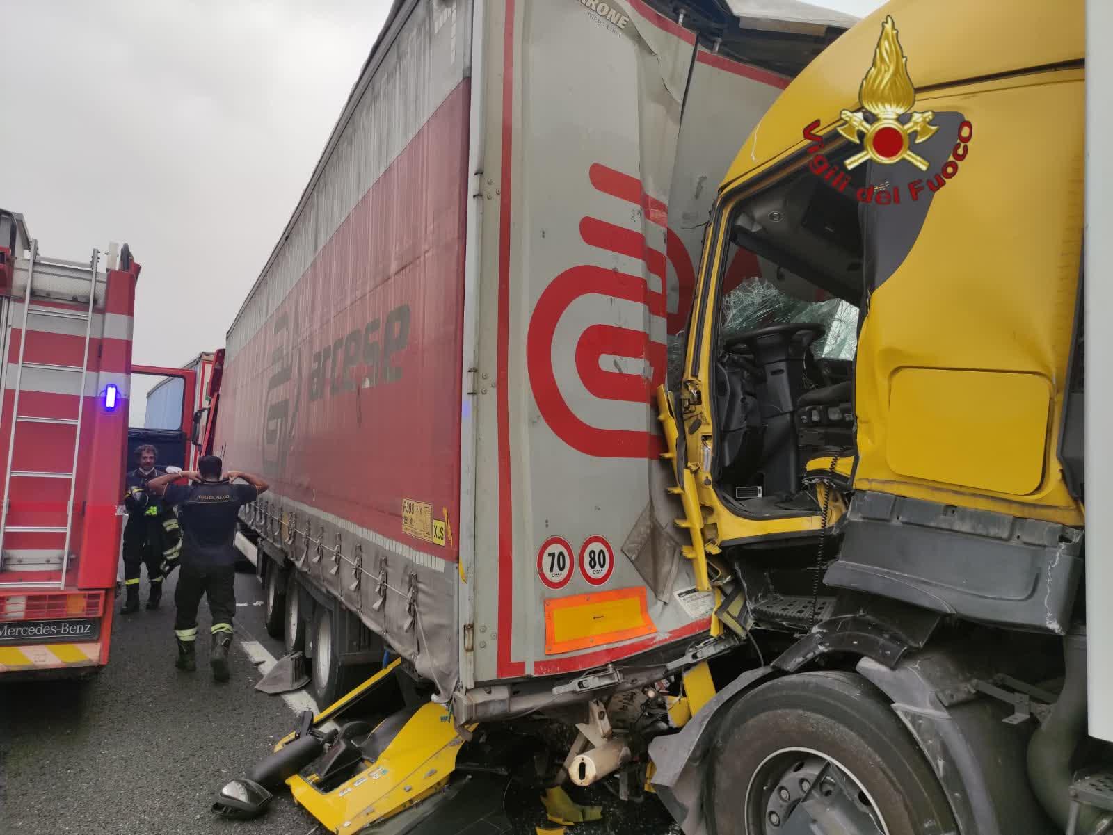 Roma, tamponamento sull'A1, due i feriti gravi
