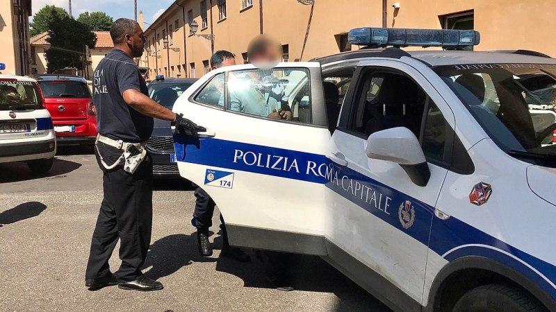 Mura Aureliane, arrestato uomo che ha tentato di strangolare un agente della Polizia Locale