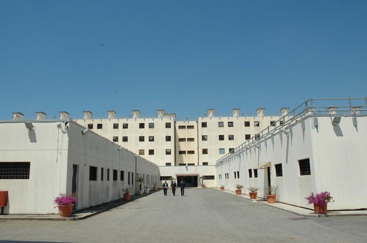 Carcere di Velletri, detenuto tenta il suicidio. Salvato dalla Polizia Penitenziaria