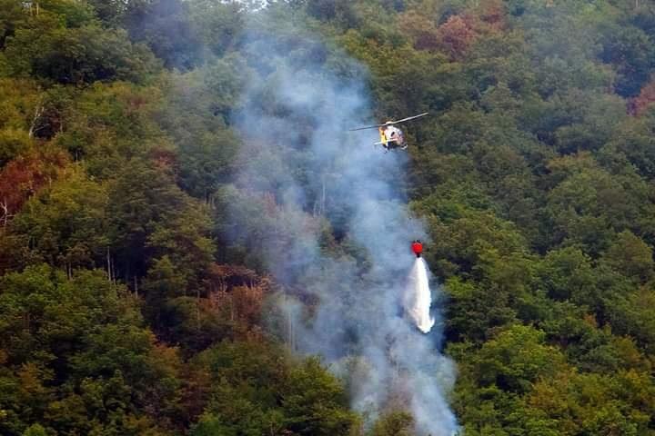 Monte Artemisio, l'incendio non si ferma