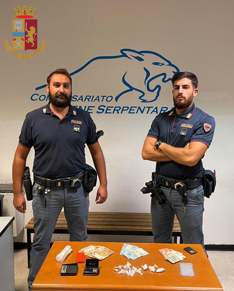 Roma, 10 persone arrestate, sequestrati  oltre 21 mila euro in contanti e sostanze stupefacenti