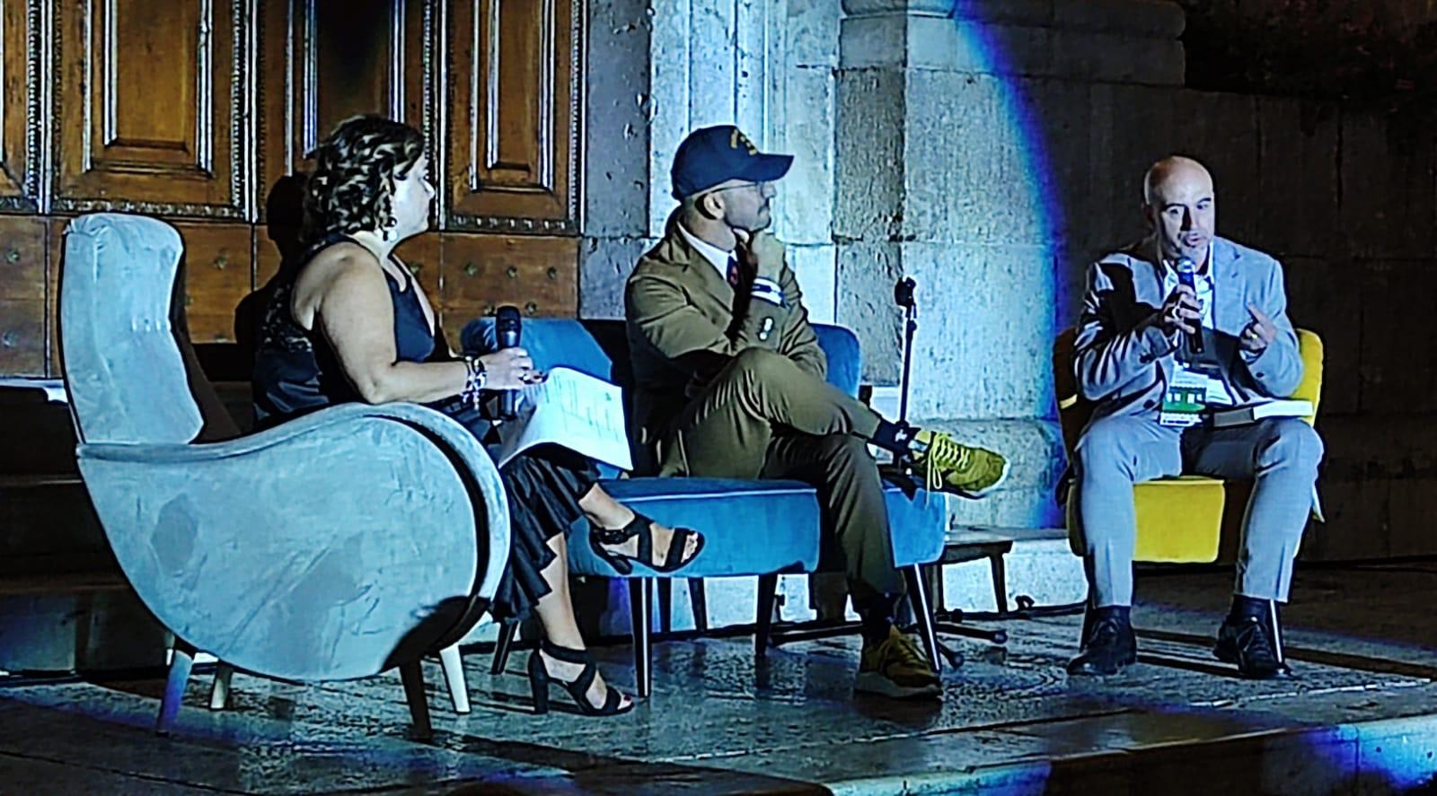 La fede protagonista della prima serata del festival letterario di pratola peligna. Apprezzato lo scrittore di Genzano Claudio Capretti