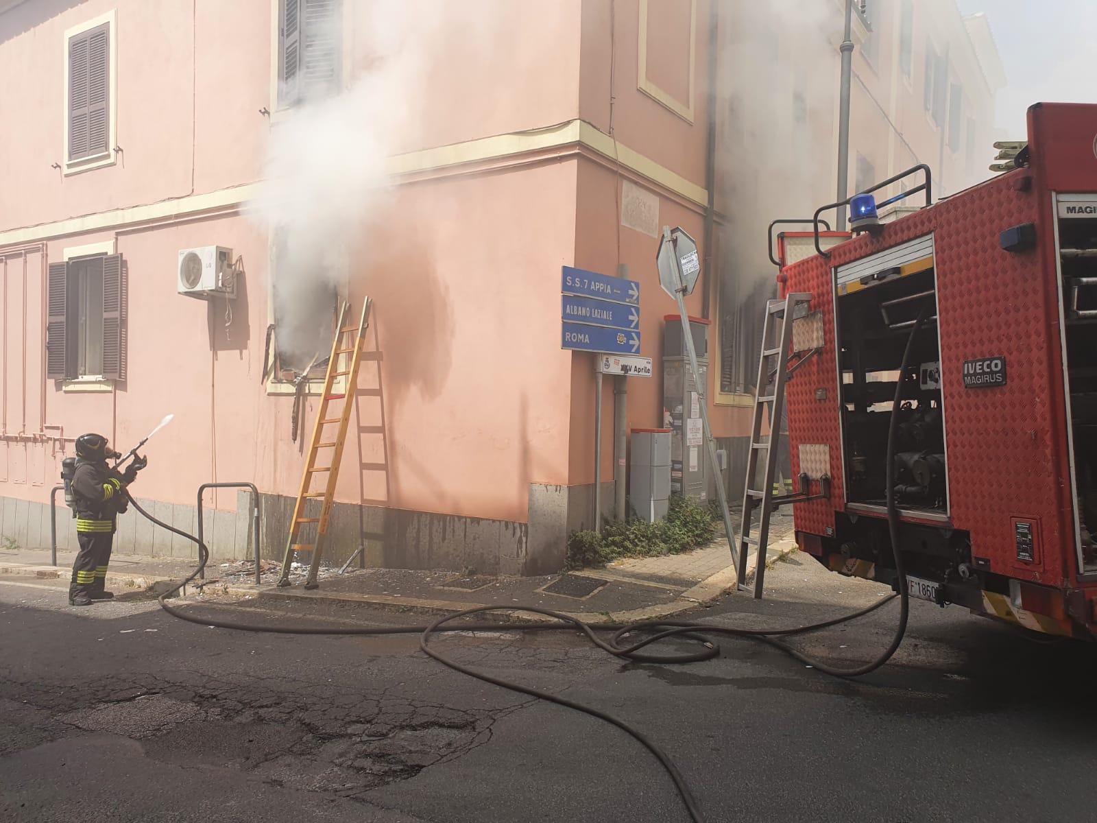 Genzano, deceduto il 78enne coinvolto nell'incendio di via XXV Aprile