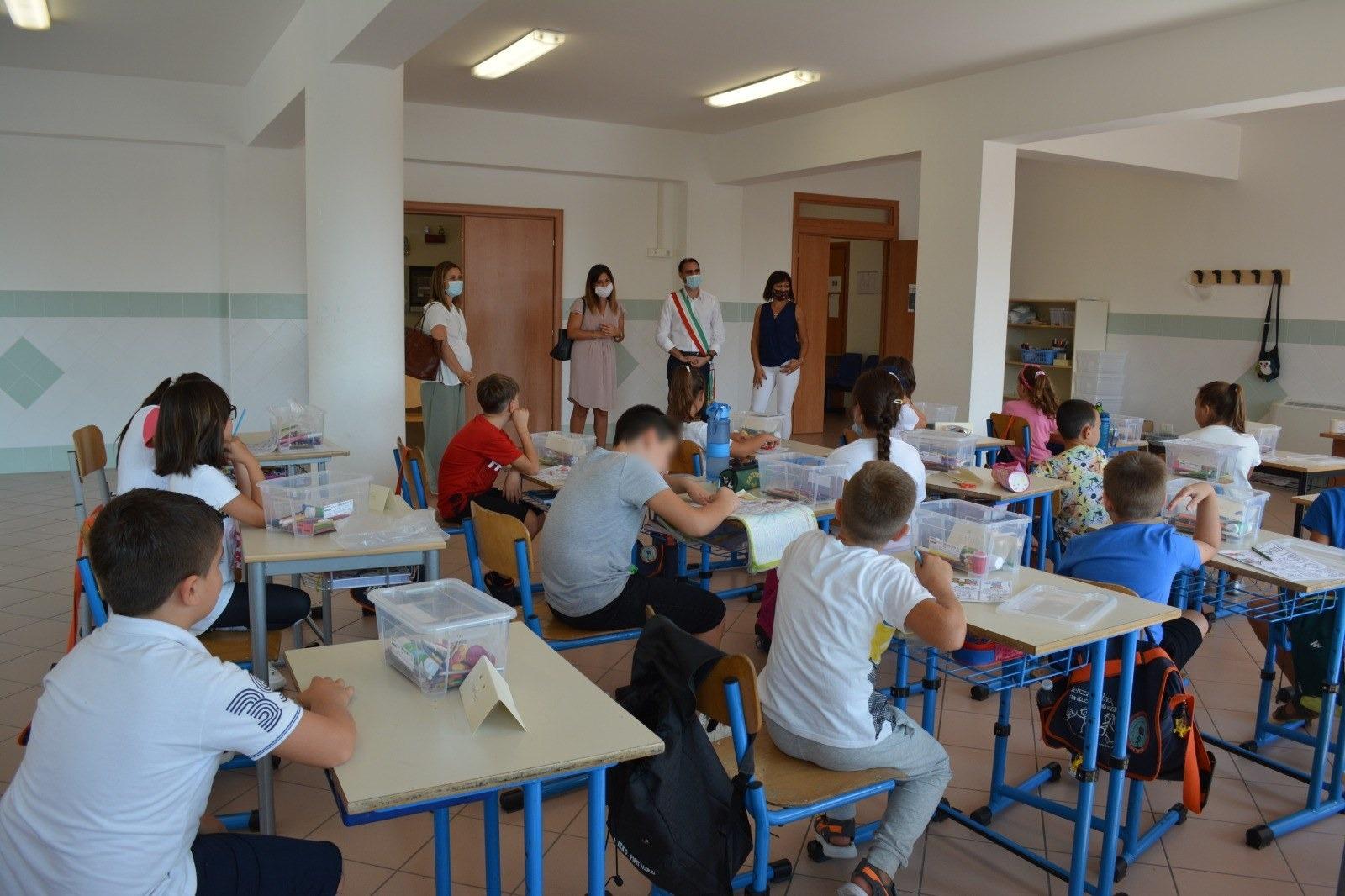 Pomezia, in arrivo 200.000 euro dal Miur per la riqualificazione delle scuole