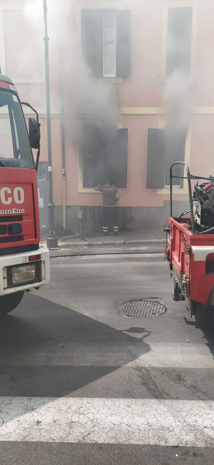 Genzano, dichiarati inagibili sei appartamenti danneggiati dalle fiamme