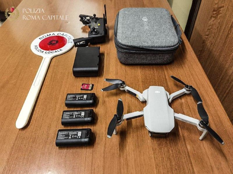 Roma, fa volare un drone senza autorizzazione, denunciato