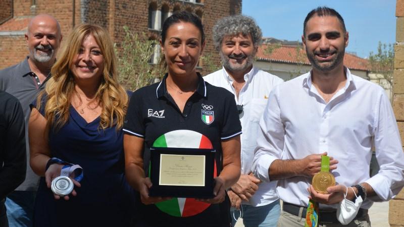 Pomezia, il Sindaco Zuccalà incontra la campionessa olimpionica di tiro a volo Diana Bacosi