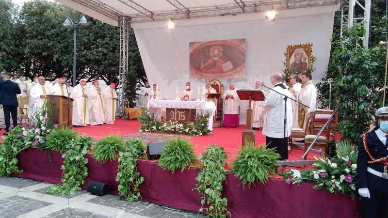 Albano, continua la cerimonia di insediamento del vescovo Viva [Foto]