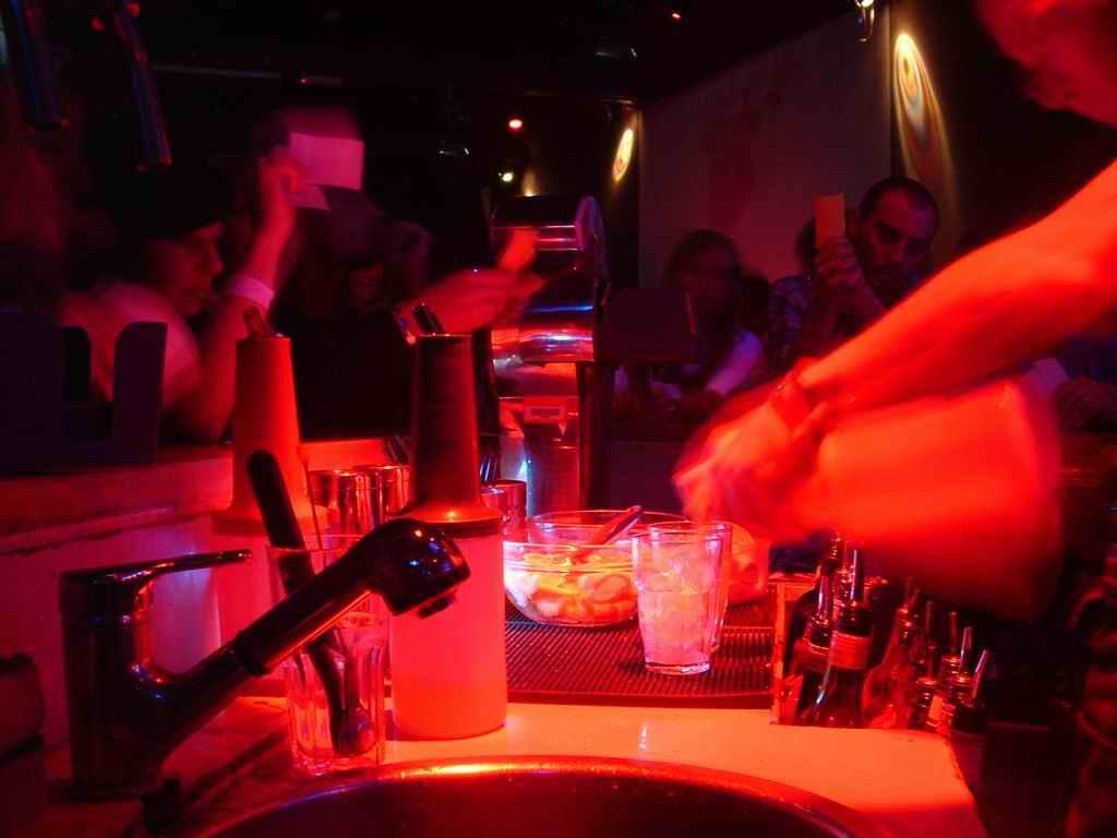Lincredibile guerra tra gli Alcolisti Anonimi e i medici  Giornalettismo