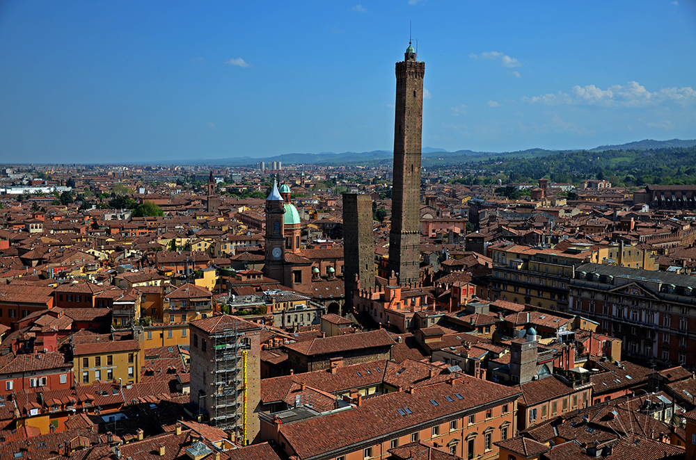 Torritour la Bologna pi inedita si trova in alto