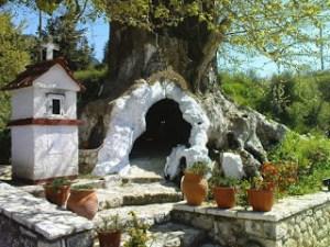 Read more about the article Παναγία η Πλατανιώτισσα στην Κρυσταλλοπηγή (πρώην Σελλιάνη) Παραμυθιάς