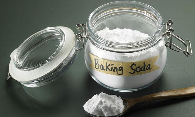 Μαγειρική σόδα: 4 «σωτήριες» σπιτικές συνταγές ομορφιάς