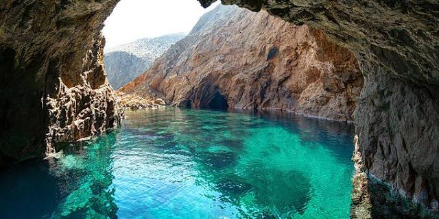 Ποιο ελληνικό νησί ταιριάζει σε κάθε ζώδιο;