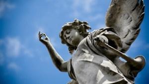 Read more about the article 7 σημάδια ότι ο φύλακας άγγελος σας, σας προσέχει
