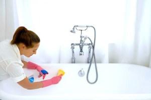 Πως να κάνετε την μπανιέρα σας αστραφτερά λευκή