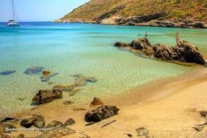 Read more about the article Το νησί με τις απίστευτες παραλίες που σε πάει πίσω στο χρόνο και ζεις την παλιά Ελλάδα – Έχετε πάει;