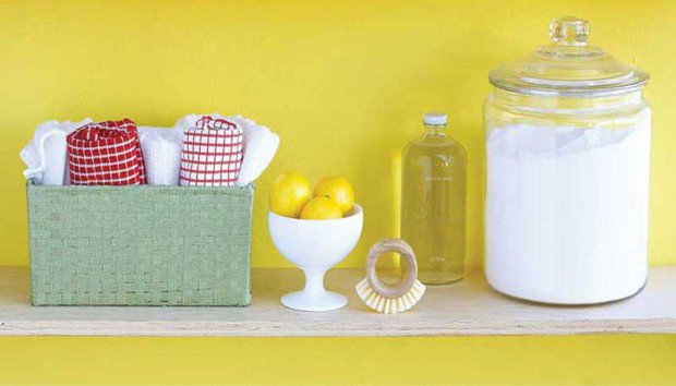 Read more about the article Δείτε τα Σούπερ Δυνατά και Φυσικά Καθαριστικά που Έχετε ήδη Σπίτι σας