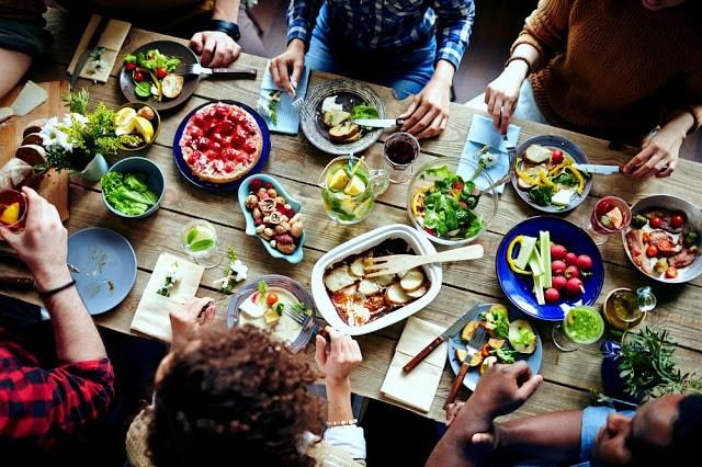 Πώς θα εξαπατήσεις το σώμα σου να τρώει λιγότερο