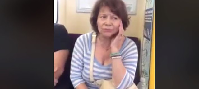 H Πίτσα Παπαδοπούλου τραγουδά μέσα στο μετρό
