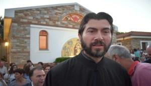 Read more about the article Πατήρ Αντώνιος: «Για μένα ευτυχία είναι να είμαι χρήσιμος στον διπλανό μου»