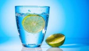 3 ροφήματα πιο αποτελεσματικά από το νερό με λεμόνι για απώλεια βάρους