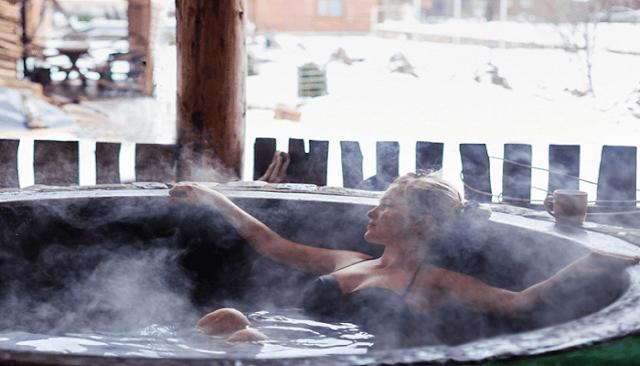 Ένα ζεστό μπάνιο καίει τις ίδιες θερμίδες με τη γυμναστική!